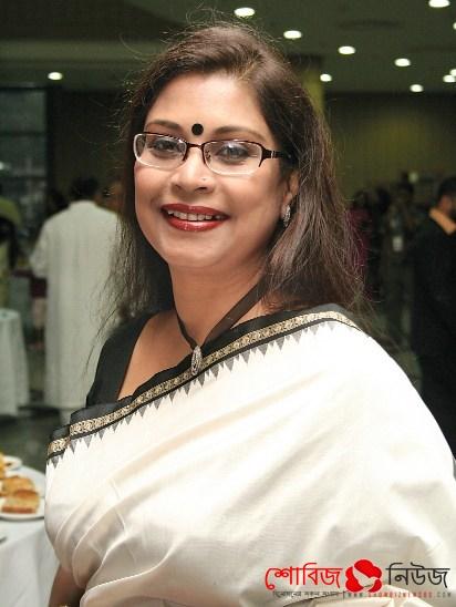 'বঙ্গভূষণ' পেলেন Rezwana Chowdhury Bonna