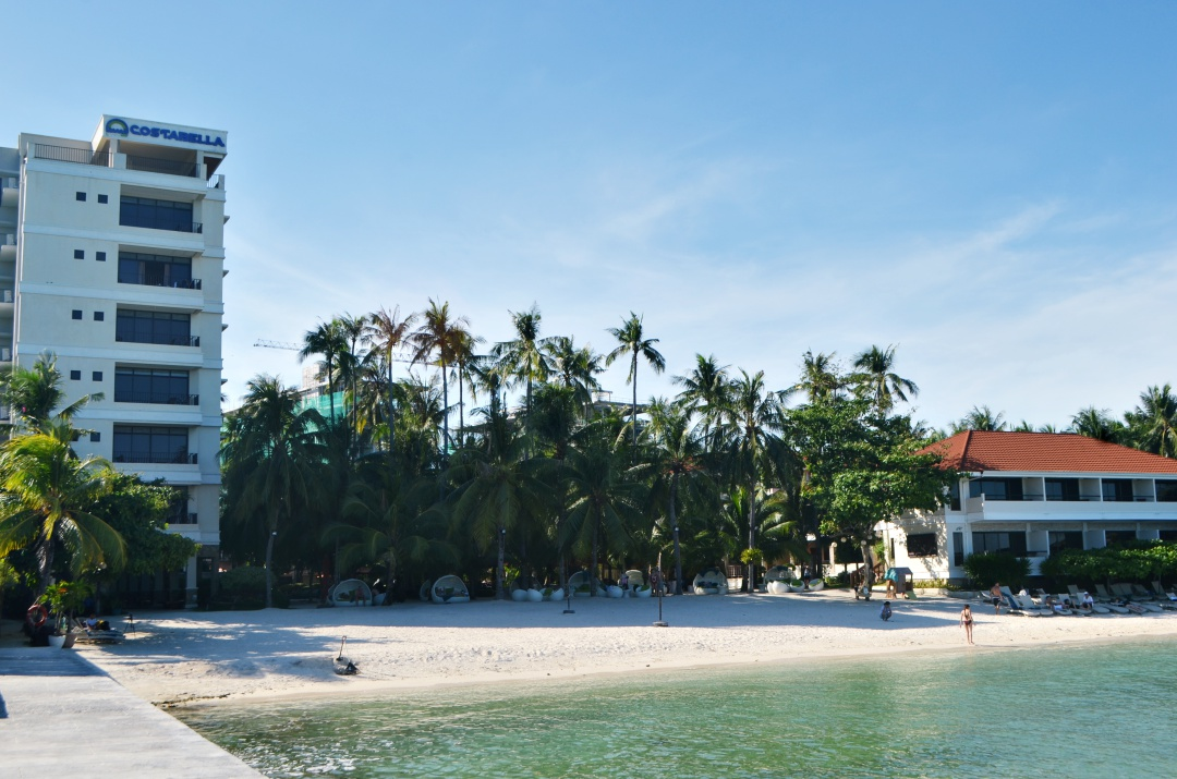 cebu-fashion-blogger-almostablogger-costabella-resort.jpg