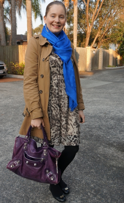camel trench, bleu louis vuitton monogram shawl, balenciaga work bag | away from blue