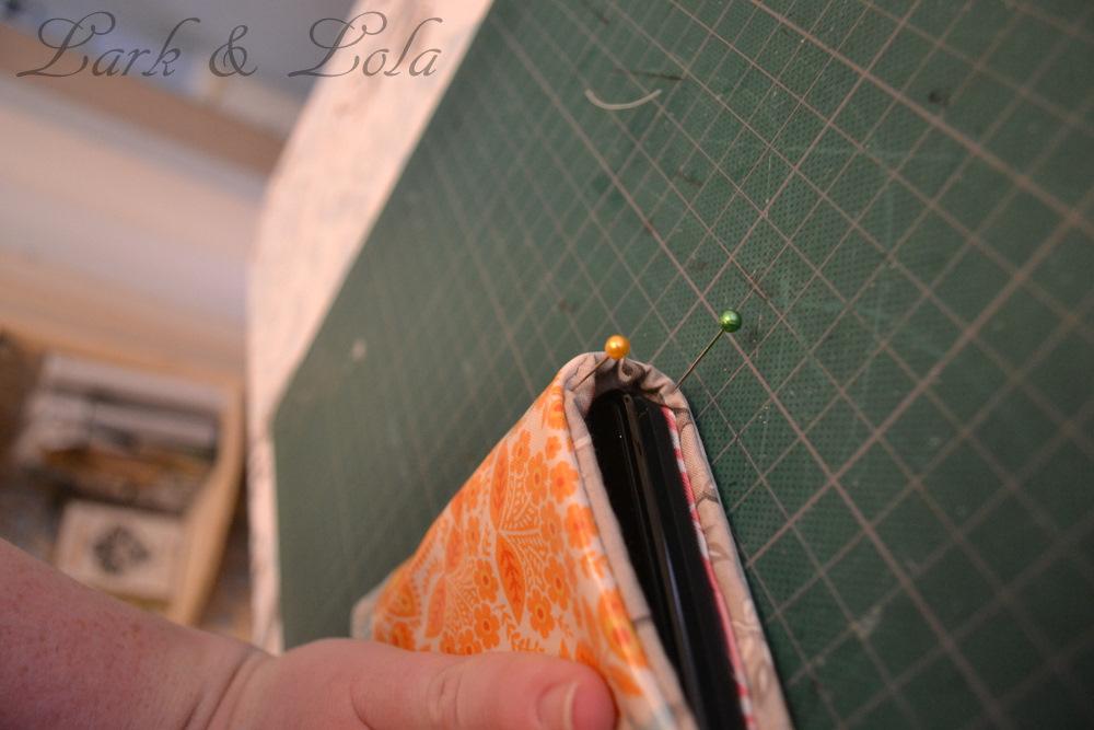 12 Days of {handmade} Christmas::Day 7 DIY Kindle Cover Tutorial