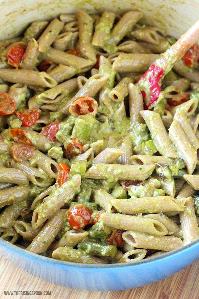 Creamy Pesto Penne Pasta with Tomatoes & Asparagus