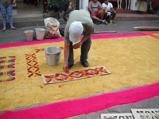alfombra Panajachel Guatemala Semana Santa