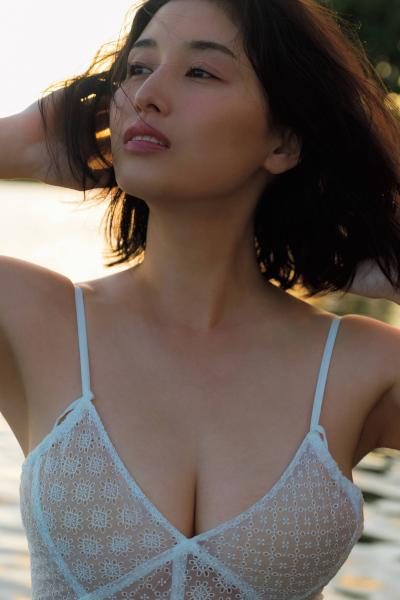Manami Hashimoto 橋本マナミ, FRIDAY 2020.01.31 (フライデー 2020年1月31日号)