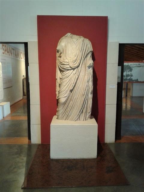 Segóbriga. Estatua romana