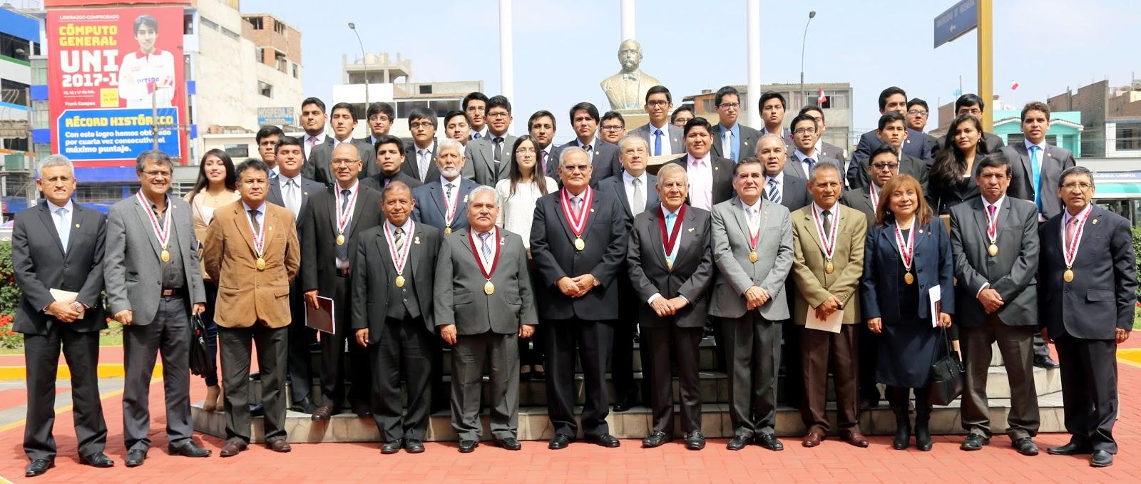 Patronato UNI entrega premio a primeros puestos de las 28 especialidades