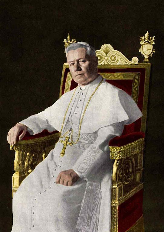 """São Pio X a Mons. Cecchini (bispo que presidiu os funerais de Mélanie): """"E nossa santa?"""". Foto colorida a posteriori"""