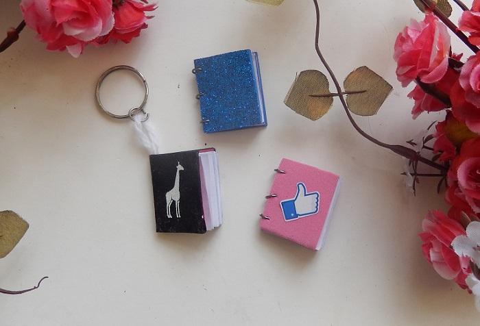cadernos em miniatura