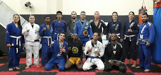 Atletas da Chute Boxe Registro-SP conquistam medalhas no 3º Iron Fight Grappling