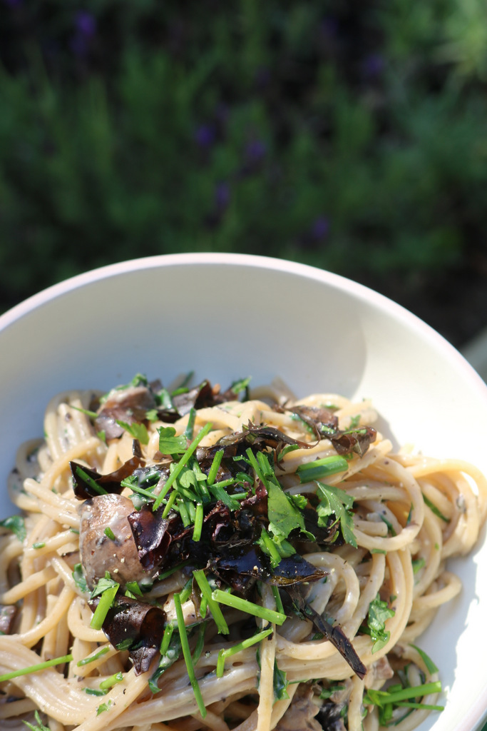 Recipe: Vegan Carbonara with Seaweed Bacon