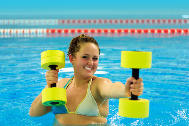 Nadando en Aeróbic de Agua
