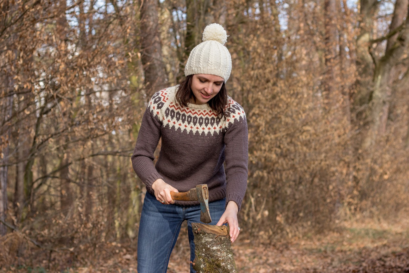 Strickpullover mit Jacquardmuster und Raglan - Pullover mit Norwegermuster - kostenlose Anleitung von Garnstudio/DROPS Design - #dropsdesign