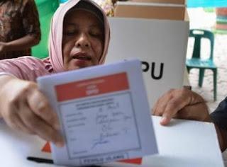 انتخابات اندونسيا تنهي حياة 270موظفا