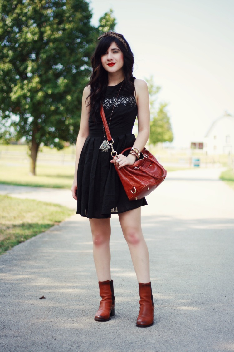 Flashes of Style: outfit // Casual Little Black Dress