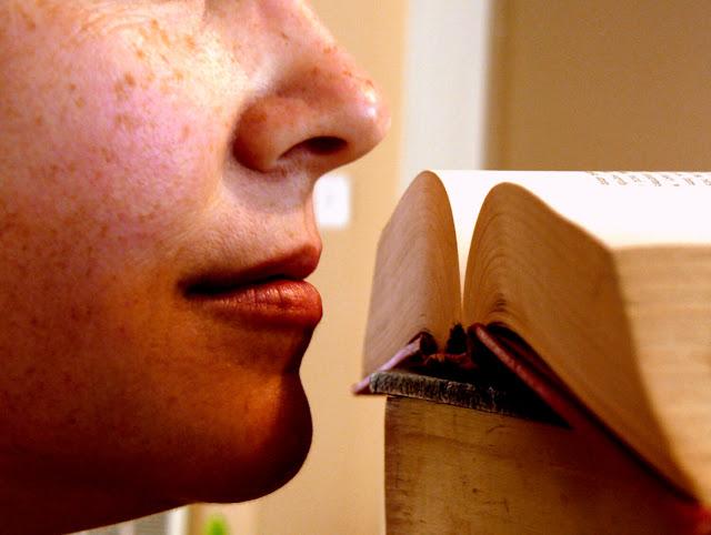 رائحة الكتب