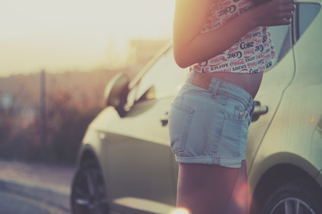 5 fantastico things every girl should keep in her car for peppy skin