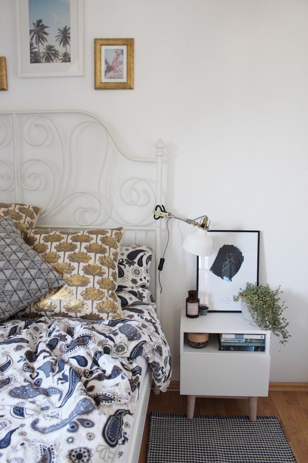 Schlafzimmer Deko: Zwei Ideen für einen gemütlichen Nachttisch ...