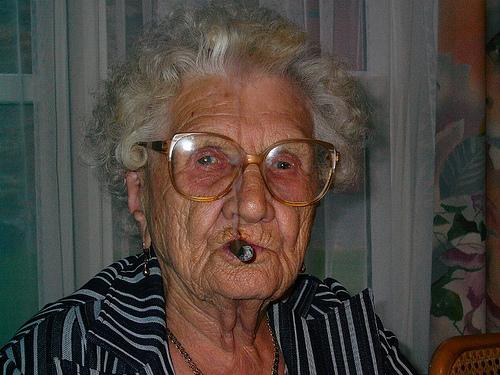 frække gamle damer gamle damer unge mænd