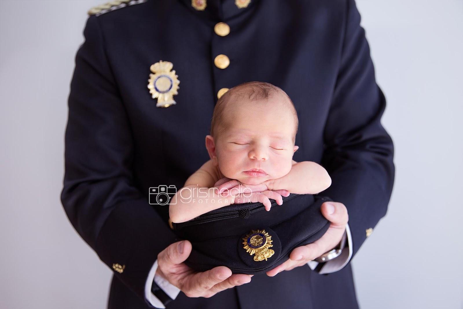 sesion-de-fotos-de-recien-nacido-uniformes