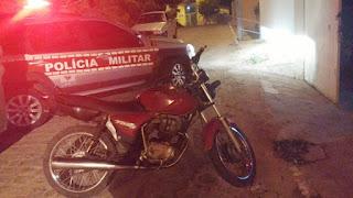 Polícia Militar apreende moto em Seridó; popular informou que o veículo era roubado
