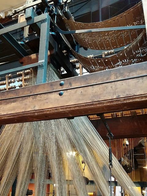 Jacquard Loom, webstuhl, Ribbon weaving, Puppilalla