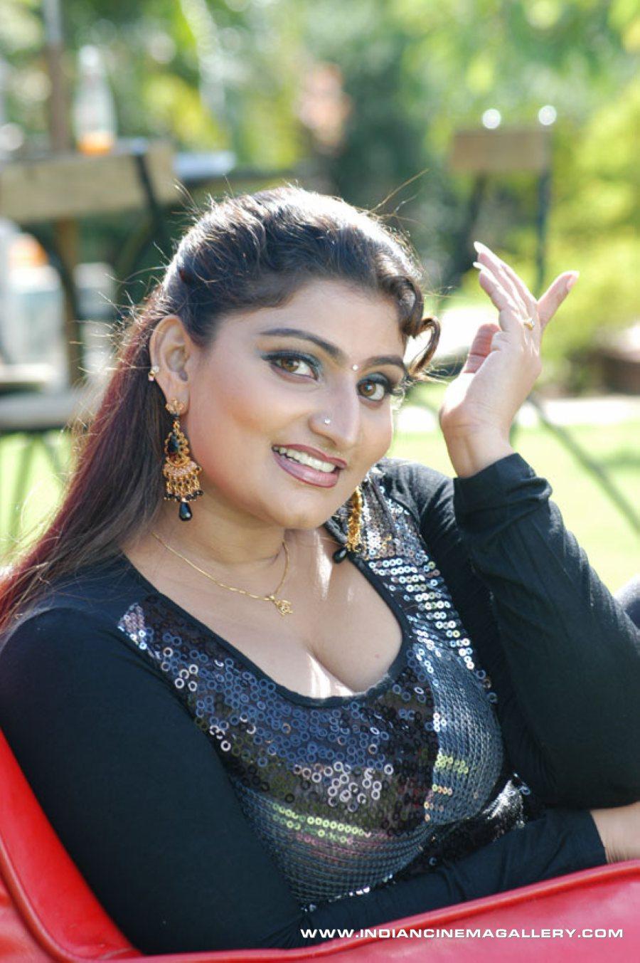 Unseen Tamil Actress Images Pics Hot: Thalapulla Babilona