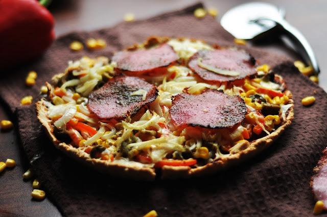 Tarta LCHF ala pizza z salami | bezglutenowa, bez laktozy, fit, dietetyczna |