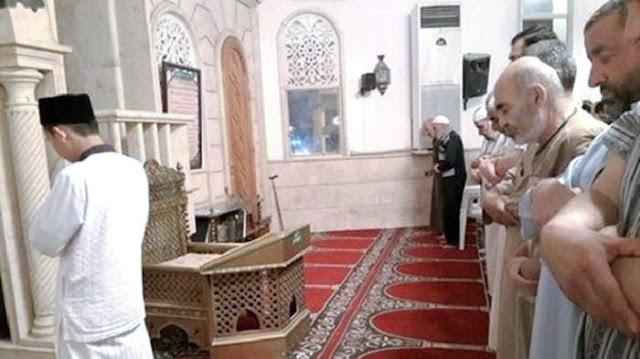 Banggakan Indonesia, Pemuda Tampan Ini Rutin Jadi Imam Tarawih Di Lebanon