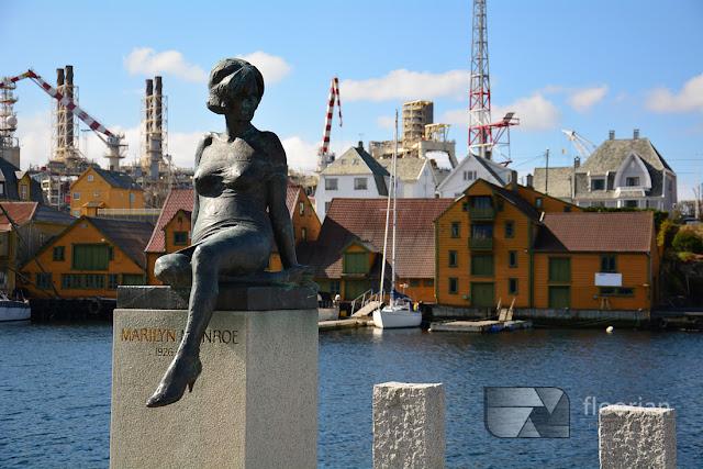 pomnik Marylin Monroe w Haugesund. Informacje o podróżowaniu po Norwegii i Skandynawii.