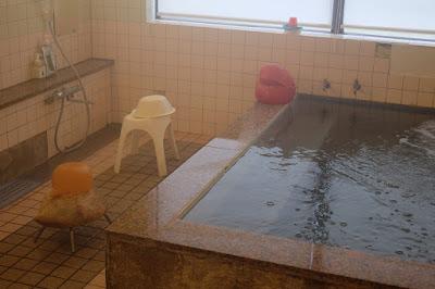 岡山の温泉ゲストハウスとカフェ&レストラン あわくら温泉元湯 温泉