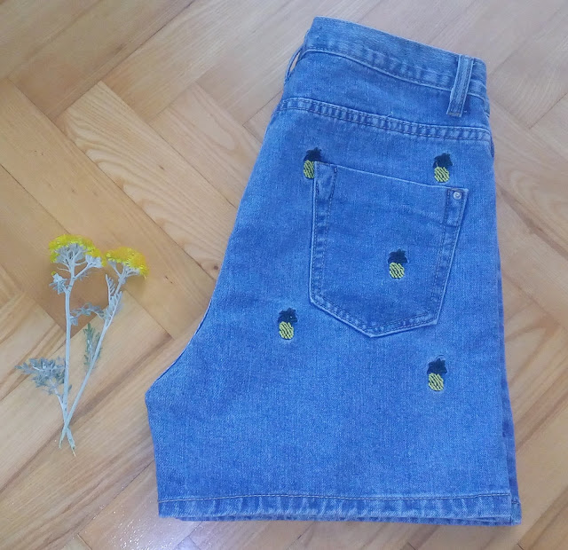 http://www.zaful.com/pineapple-embroidery-high-waisted-denim-shorts-p_189024.html?lkid=13306