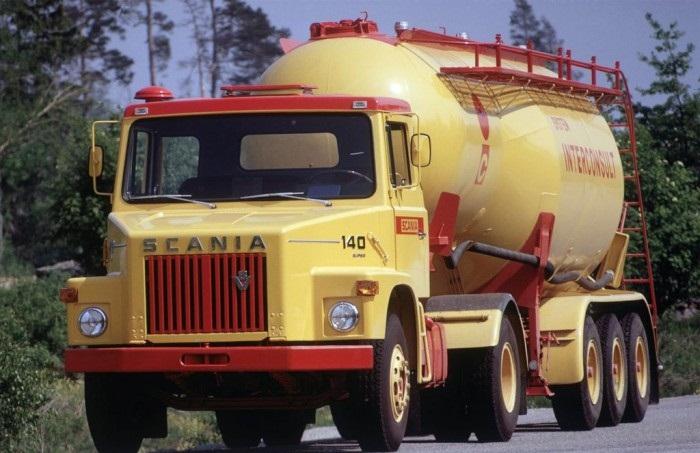 Scania L140: O primeiro V8 bicudo da marca