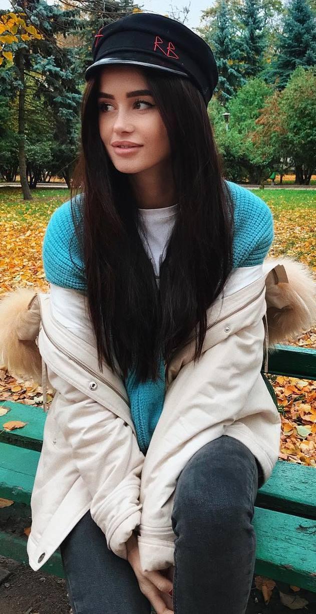 ootd | hat + knit sweater + nude parka + skinny jeans