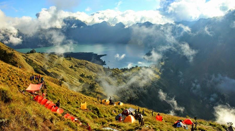 Campsite at Plawangan Sembalun Crater altitude 2639 m of Mount Rinjani
