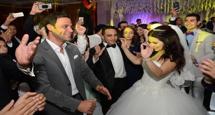 مقاجأة غير متوقعة تقلب حفل زفاف نجم مسرح مصر أوس أوس رأسا على عقب