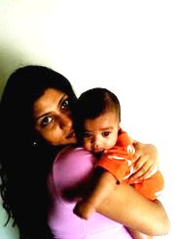 Bollywood's Yummy Moms