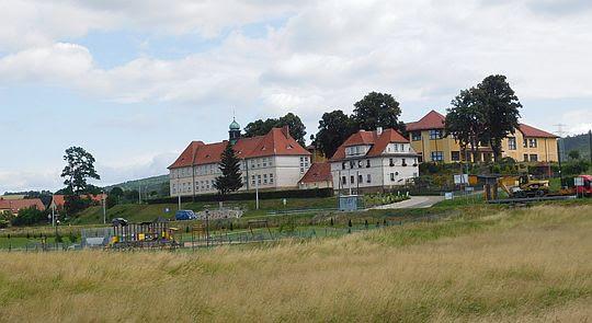 Gimnazjum w Ścinawce Średniej.