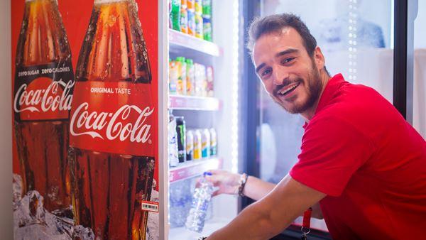 60 θέσεις στην Coca-Cola -  Η εταιρεία αναζητά άτομα και στην Αργολίδα