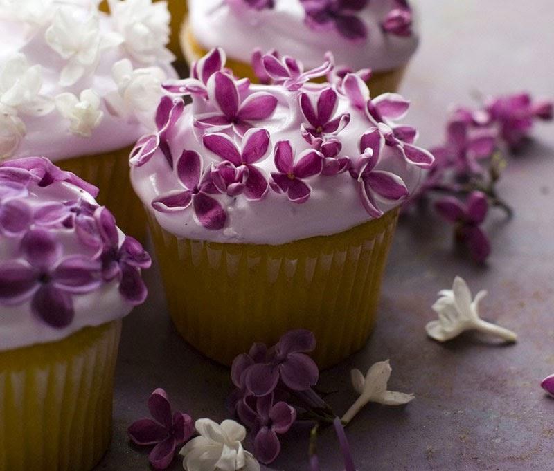 Cocina y decora platos con flores