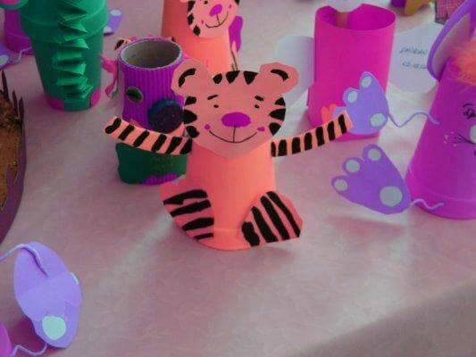 Idea to make something from folded papercraft for kids : tiger