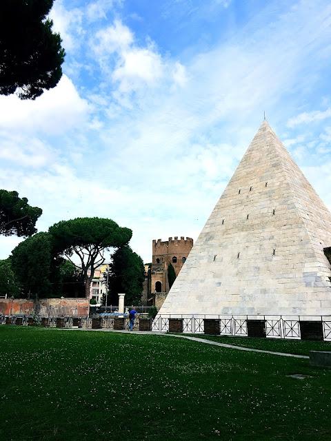 cestius-pyramid