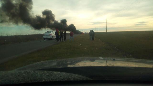 Un autoturism a luat foc în mers în zona satului Cegani. Pompierii au ajuns după ce mașina a ars în totalitate