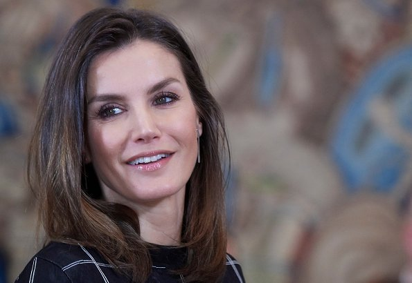Queen Letizia wore Hugo Boss knitted sweater in tube jacquard. The Queen wore a new sweater by Hugo Boss