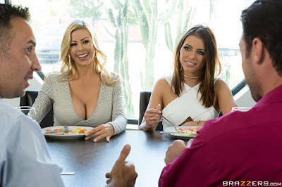 Adriana Chechik, Alexis Fawx – Squirting Swingers