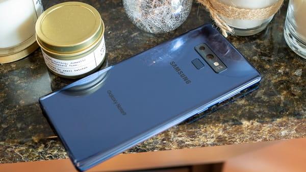 سامسونج تواجه انتقادات حول سعر هاتف Note 9