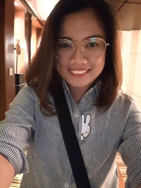 Selfie (Indoor)