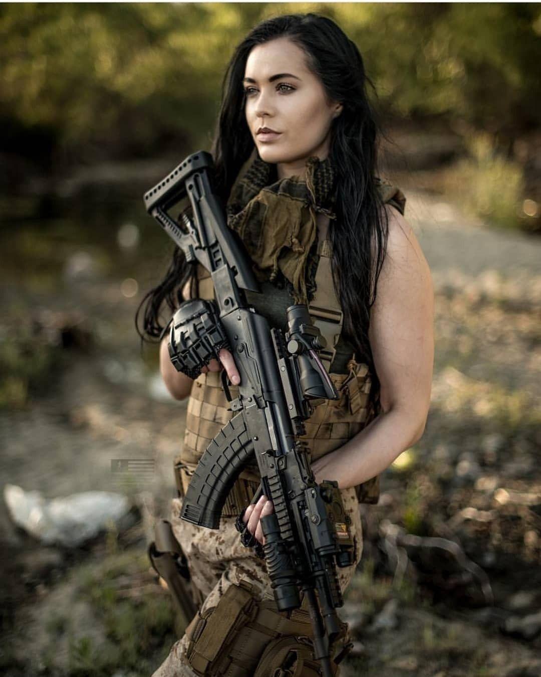 Amazing WTF Facts: Amazing Girls And Guns Photos