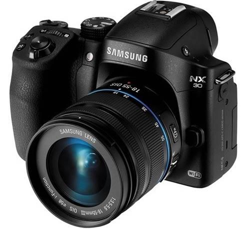 Misto de DSLR e compacta, as mirrorless são bons presentes para quem quer uma câmera com recursos avançados, porém leve e fácil de usar