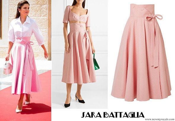 Queen Rania wore SARA BATTAGLIA Gingham cotton-blend wrap midi skirt
