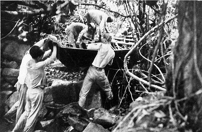 Les pirogues de l'expédition Nazie en Amazonie