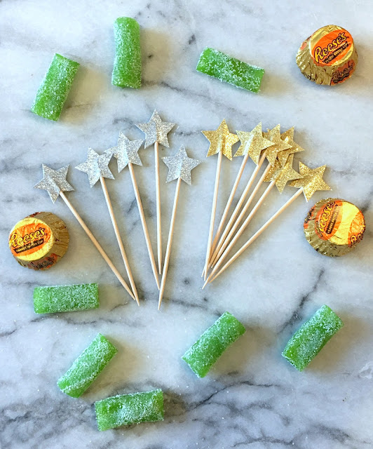 easy candy Christmas tree diy | www.jacolynmurphy.com